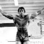 Арнольд Шварценеггер- Упражнение Кроссовер Сведение рук в кроссовере
