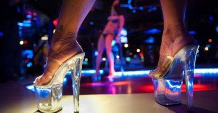 Почему опасно знакомиться с девушкой в клубе