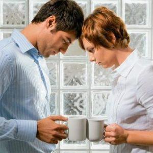 семейная пара- Прощать ли измену мужа