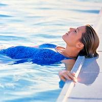 плавание и аквааэробика, танцевальная аэробика для начинающих в домашних условиях, аэробика для похудения в фитнес зале