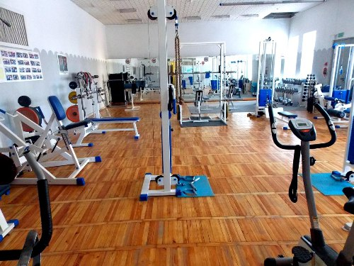 Фотогалерея тренажерного зала Фитнес-клуба «Крепкий орешек»