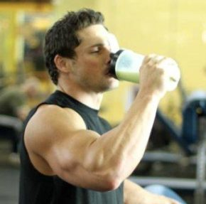 Протеиновые коктейли для бодибилдинга- спортивное питание для роста мышц