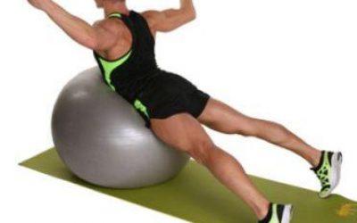 Упражнения для пресса на мяче - Как заставить себя заниматься спортом