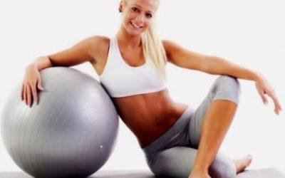 Упражнения для пресса на гимнастическом мяче